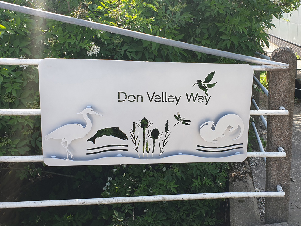 DCRT Don Valley Way sign in situ_Doncaster